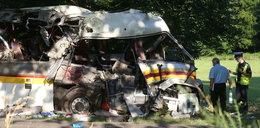 Potworny wypadek pracowniczego autokaru. Gest szefa firmy przywraca wiarę w ludzi