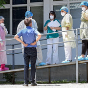 Kragujevac Dom zdravlja Kovid ambulanta direktor dr Vasilije Antic sa zaposlenima 010720 RAS foto Nebojsa Raus02
