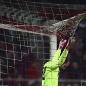 ČAST ZA BORJANA I TOMANEA Zvezdin golman dobio priznanje koje zaslužuje, a Portugalac trpeo šale od legende Crvene zvezde