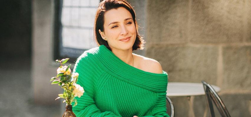 Szukasz ciepłego i modnego swetra na jesień? Model jest ważny, ale obejrzyj też metkę!