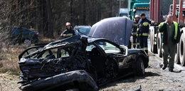Z auta została miazga! To cud, że pasażerowie żyją!