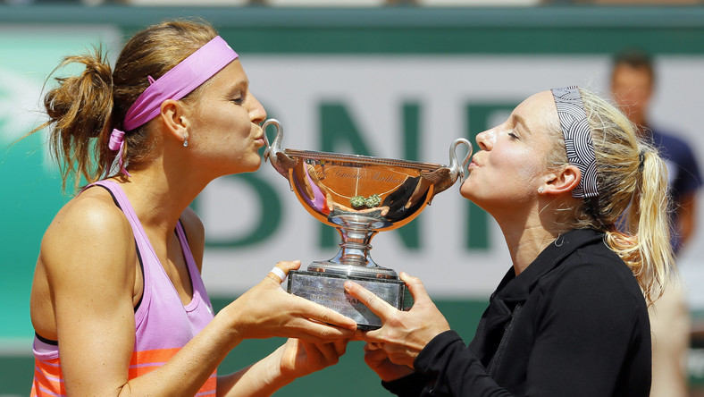 Bethanie Mattek-Sands of the USA (R) and Lucie Safarova