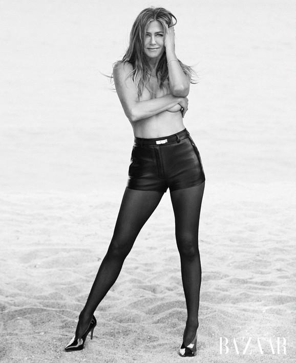 Dženifer Aniston polunaga u pedesetoj godini, slikala se za Bazar
