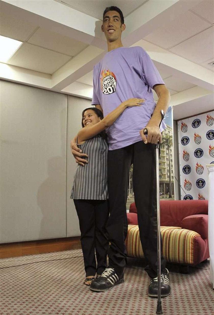 On ma dwa i pół metra wzrostu!