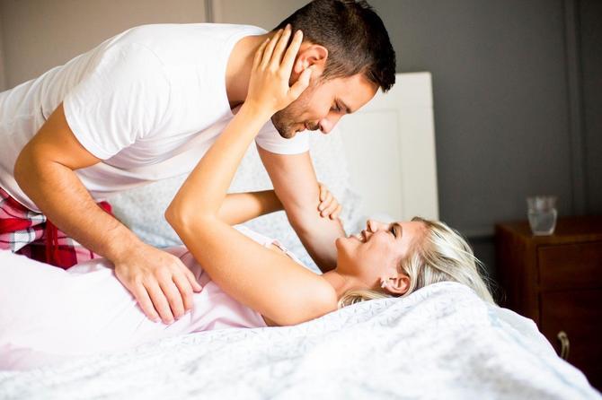 Ne znam odakle ona stara ideja da će to što imate seks učiniti da taj muškarac nestane