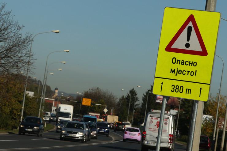 saobracajni znak - opasno mjesto