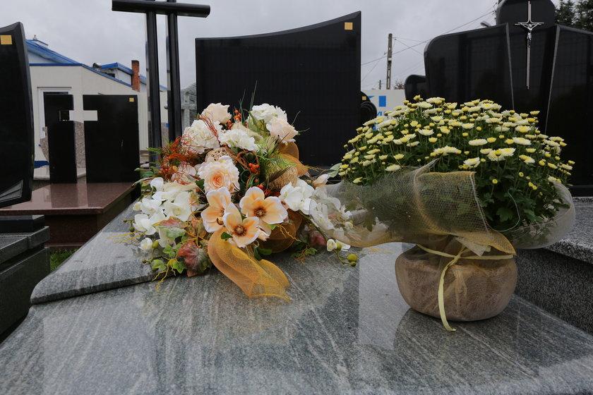 Jak udekorować grób na Święto Zmarłych