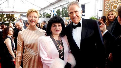 """Yola Czaderska-Hayek oraz Warren Beatty i jego żona Annette Bening, która występuje w nominowanym filmie """"20th Century Women"""""""