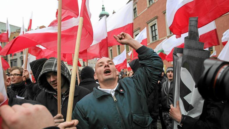 Marsz ONR i Młodzieży Wszechpolskiej w Warszawie w 2010 roku, fot. Bartosz Bobkowski / Agencja Gazeta