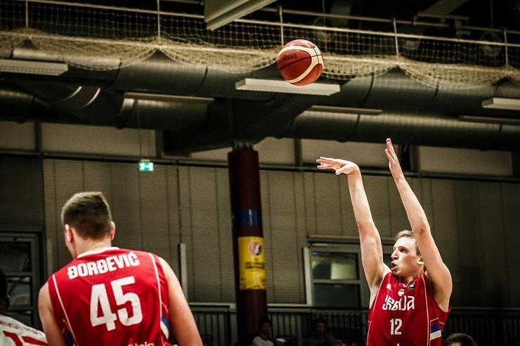 Mlada košarkaška reprezentacija Srbije