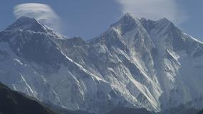 Chiny czyszczą napisy w drodze na Mount Everest