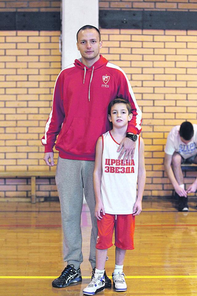 Mali Ivan sa trenerom Urošem Milutinovićem