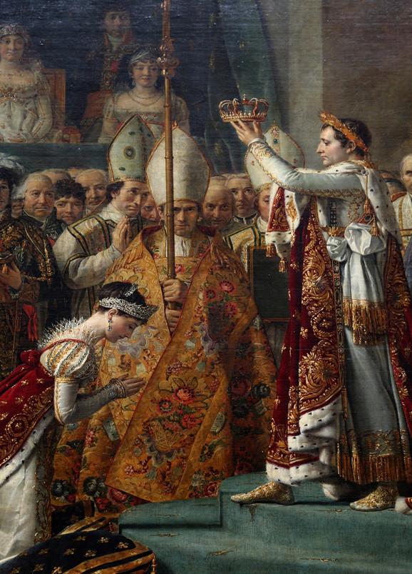 Žozefina kleči pred Napoleonom koji je kruniše