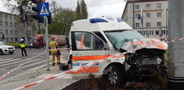 Okropny wypadek w Gdyni. Ciężarówka zmiotła karetkę na sygnale!