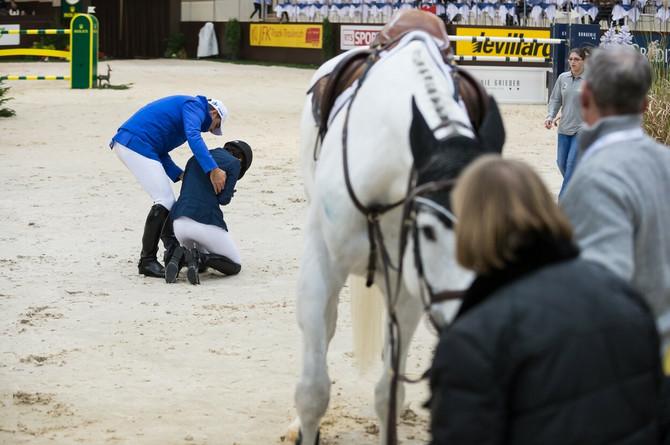 Atina nakon saznanja da njen konj neće preživeti