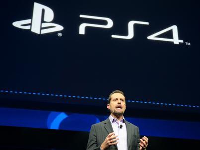 Andrew House pracował w Sony od 1990 roku
