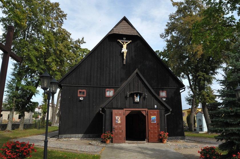 """To w tym kościele w Radoszkach zakochani powiedzą sobie """"tak"""""""