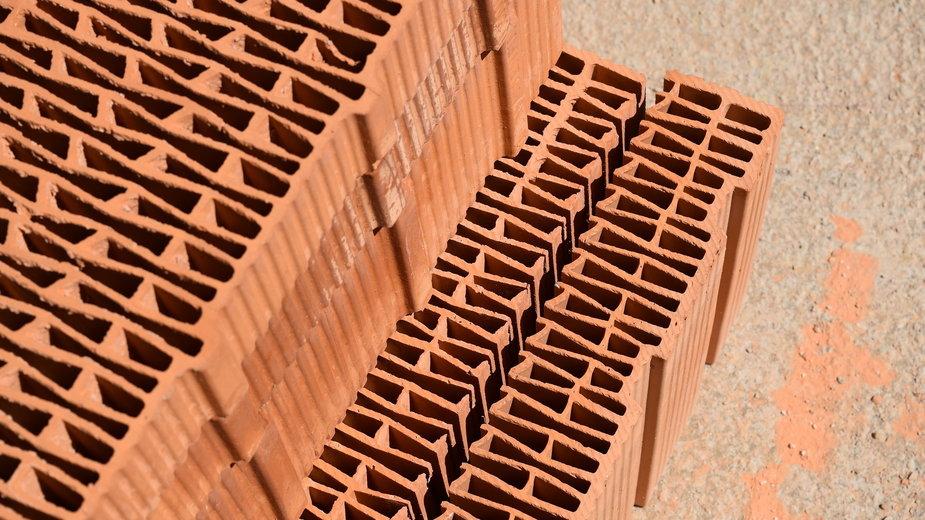 Warto sprawdzić skład materiałów budowlanych przed zakupem - annawaldl/pixabay.com