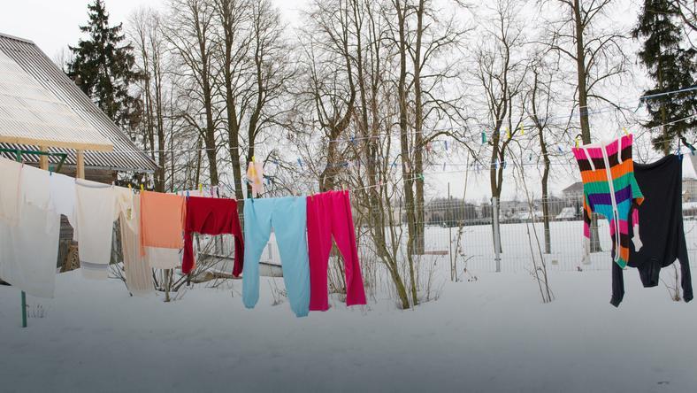 Jak suszyć pranie zimą?