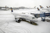frankfurt aerodrom sneg