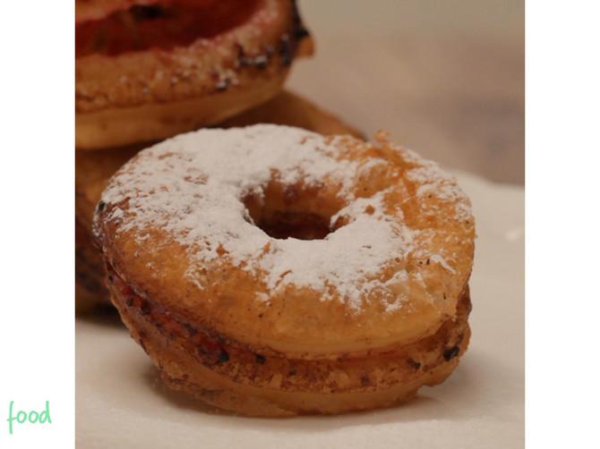 Lisnate krofne sa džemom postaće vaš novi omiljeni slatkiš: Lako i brzo se spremaju, a ukusom oduševljavaju!