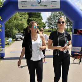 Małżeństwo Kraśków, Kamila Szczawińska i Natalia Klimas podczas imprezy biegowej