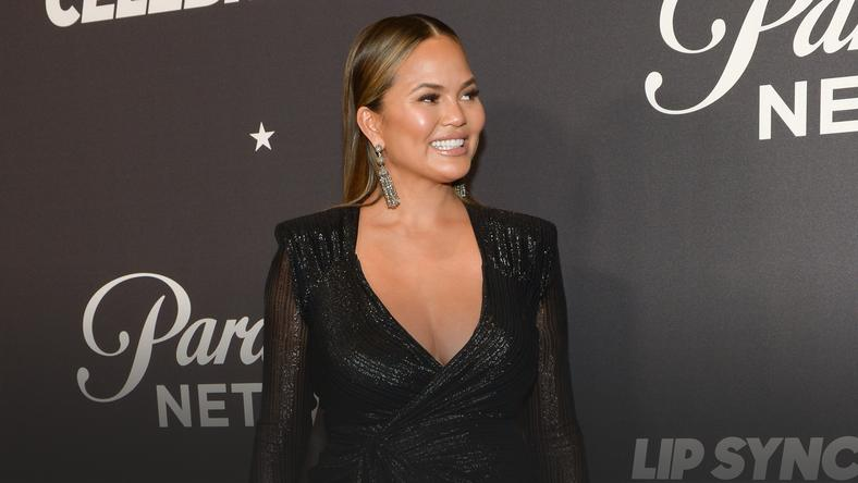 "Chrissy Teigen na nagraniu ""Lip Sync Battle"""