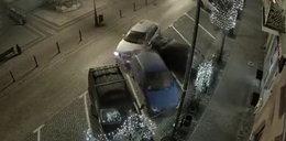 Szalony rajd dwudziestolatka ulicami Chojnic. Skasował trzy auta. FILM