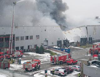 T-Mobile dźwiga się po czwartkowym pożarze