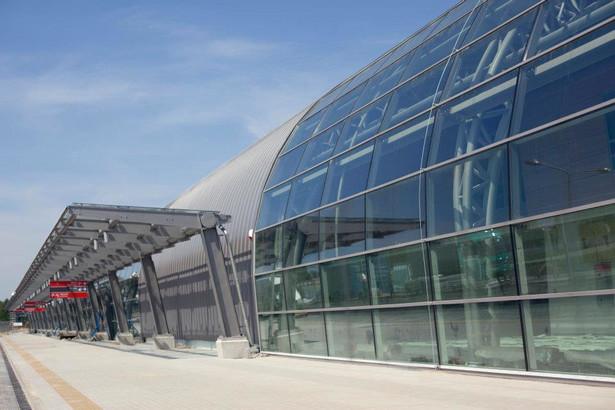 Ten rok lotnisko w Modlinie zakończy pod finansową kreską