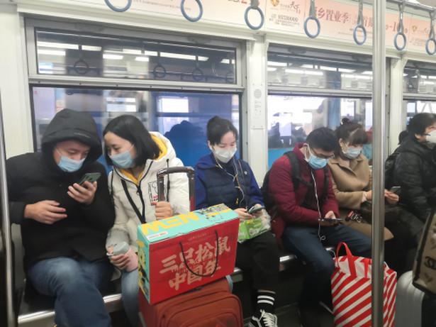 Według danych oficjalnych w Wuhanie potwierdzono w ciągu ostatniego tygodnia tylko jeden nowy przypadek zakażenia koronawirusem. Władze ogłosiły, że 8 kwietnia zniosą całkowity zakaz wyjazdu z miasta