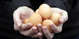 Uwaga! Oszukują na jajka i Matkę Boską
