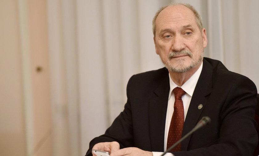 Macierewicz: Rosja przyznała się, że przyczyny katastrofy smoleńskiej nie zostały wyjaśnione
