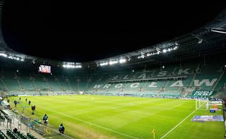 Mniejszy dystans i więcej kibiców na stadionach. Kolejny krok luzowania obostrzeń