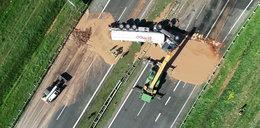 Czekolada zalała polską autostradę. Niezwykły wypadek
