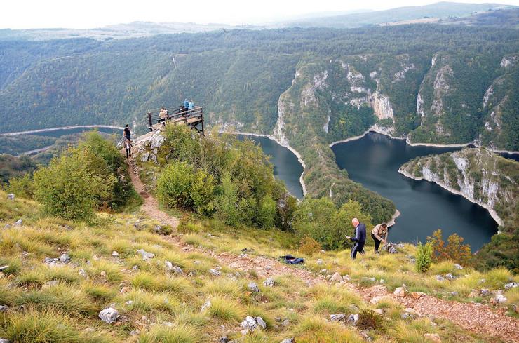 uvac4 Svaki dan na desetine turista dolazi da posmatra lepotu prirode sa Bajrove zemlje  on u njima vidi samo prijatelje foto Beba Bojovic