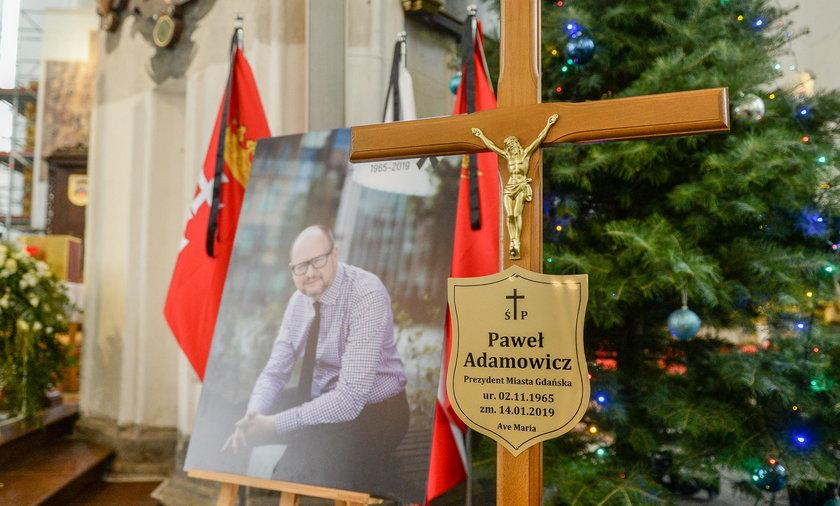 W godzinę pogrzebu Adamowicza miały zawyć syreny. Ale wojewoda zmienił decyzję
