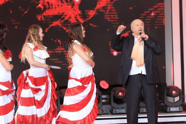 Bohdan Łazuka na festiwalu w Opolu 2018.
