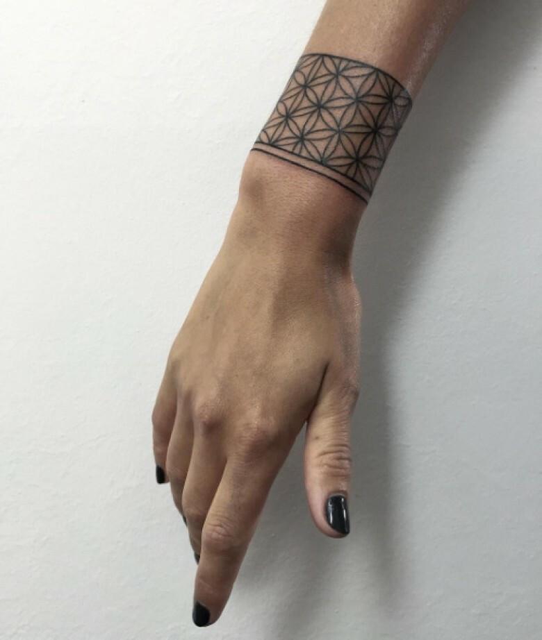 Tatuaże Bransoletki 12 Delikatnych Wzorów Których Nie