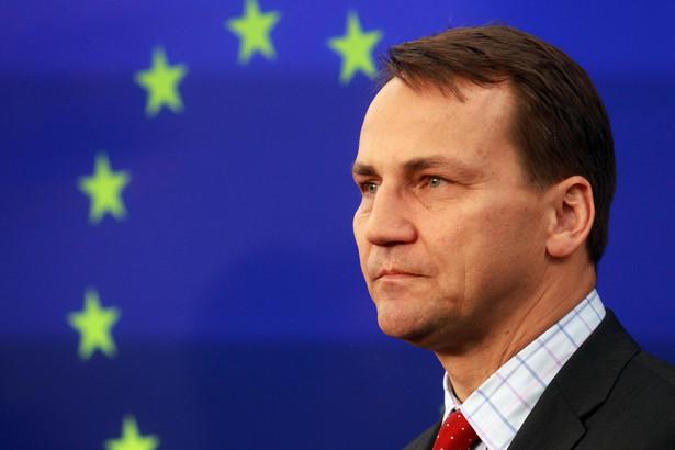 Sikorski uczestniczył w środę w Brukseli w posiedzeniu komisji spraw zagranicznych Parlamentu Europejskiego.