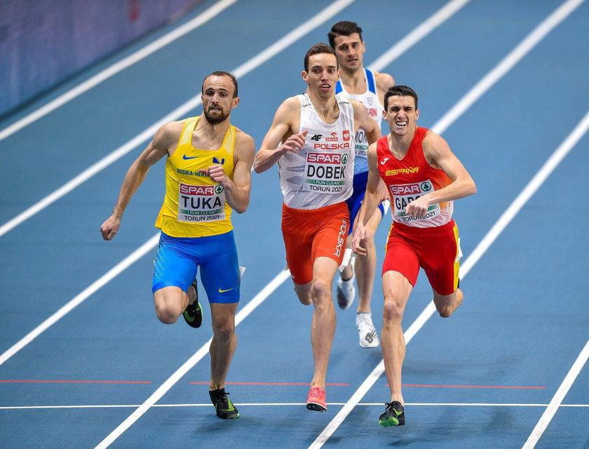 Najlepszy polski płotkarz na 400 metrów w 2020 roku zmienił trenera i rozpoczął współpracę ze znanym szkoleniowcem Zbigniewem Królem.