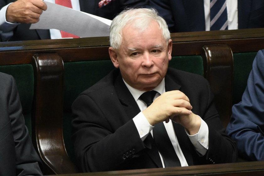 W PiS liczą, że Tusk wyleci. A wtedy... postawią go przed sądem!