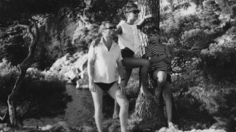 Krzysztof, Zofia i Tomasz na wakacjach na wyspie Hvar. Jugosławi