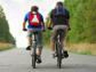 Piesi vs rowerzyści: Ścieżka konfliktu, choć reguły jasne