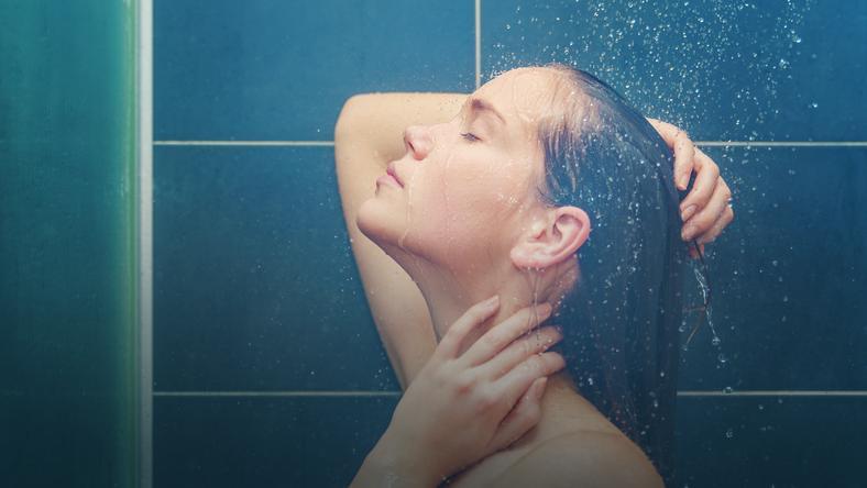 gorący pod prysznicem historia seksu mamuśki