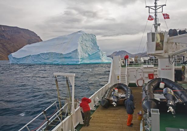 Statek wycieczkowy na Grenlandii