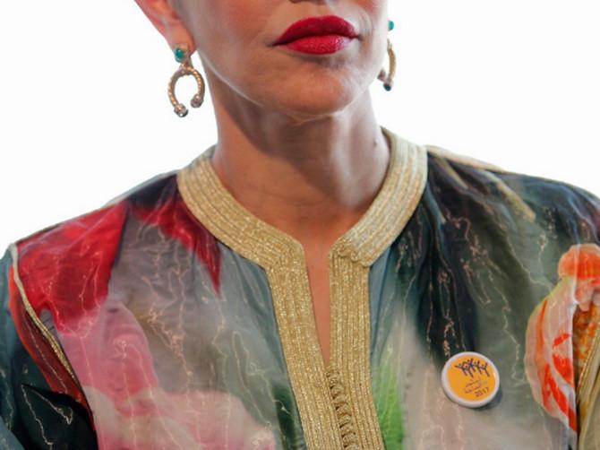 CELA PLANETA je zaljubljena u STIL i LEPOTU marokanske princeze. Zaista je POTPUNO DRUGAČIJA i zaslužuje titulu MODNE IKONE!