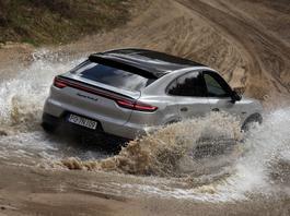 Porsche Cayenne Turbo S e-hybrid Coupé - zdolna bestia