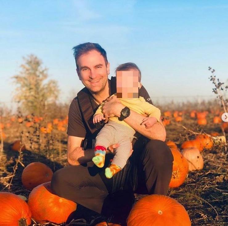 Stefan Milenković sa sinom