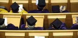 Idą czystki na uczelniach? Naukowcy protestują